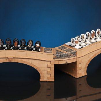 Подарочные шахматы Оркестр Доска в виде мостов